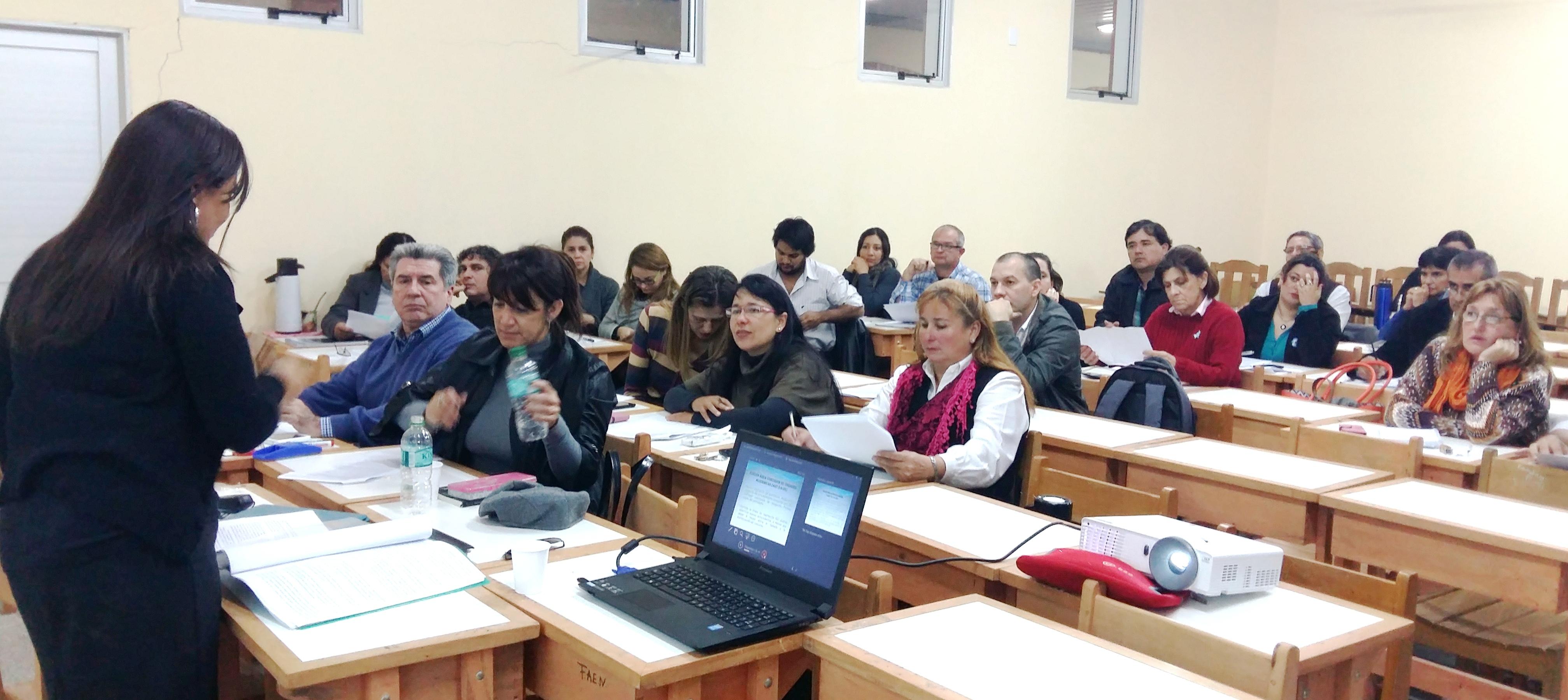 Exitosas jornadas de capacitaciones aspecto jur dicos for Concurso docentes exterior